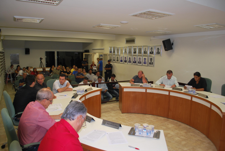 Reajuste nos salários dos servidores públicos municipais é aprovado em sessões extraordinárias