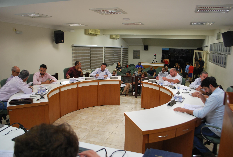 Para melhor análise, vereadores retiram processo de análise de contas do ex-prefeito Tarcísio Cleto Chiavegato