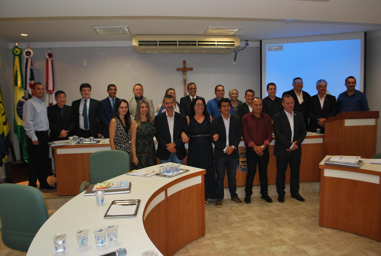 Com parlamentares de 20 cidades, Jaguariúna sediou a Reunião do Parlamento da RMC
