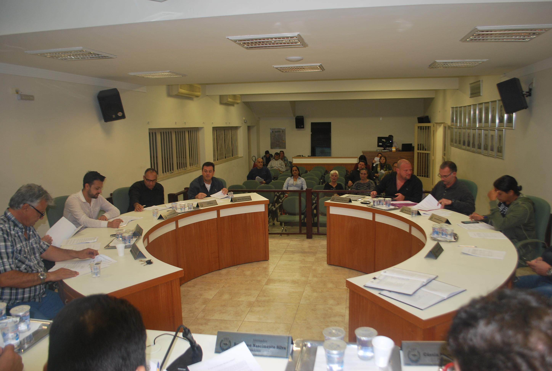 Com pauta carregada, vereadores da Câmara de Jaguariúna aprovam por unanimidade 13 projetos durante a 17ª Sessão Ordinária do ano