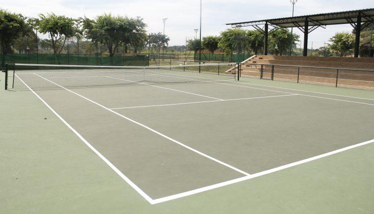 """Aprovado substitutivo que denomina as quadras públicas esportivas do Parque José Dal'Bó Filho de """"Horácio César Belézia Pires"""""""