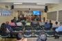 Dezenas de pessoas participam da palestra