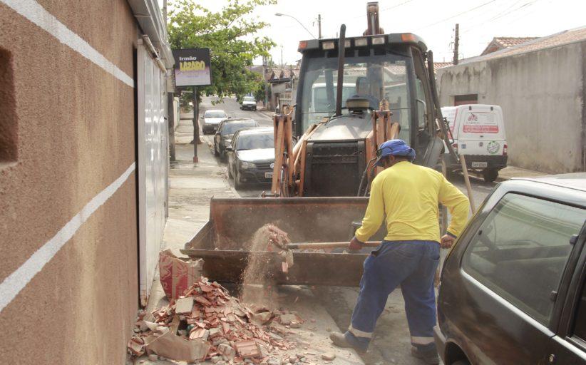 Secretaria de Obras divulga regras para descarte de entulhos e manutenção de terrenos