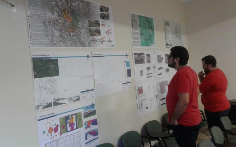 Alunos da Unifaj expõem, na Câmara, projetos de estação intermodal para Jaguariúna