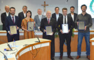 Entrega de títulos de Cidadão Jaguariunense foi realizada na última sexta-feira (11)